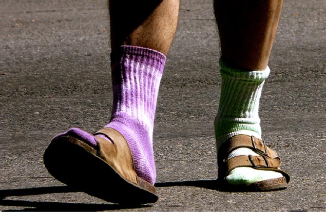 birenstocks-socks