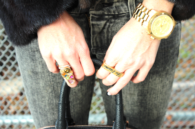knuckle rings watch