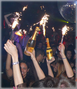 nightclub-sparkler-procession