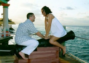 20-Awkward-Engagement-Photos-7